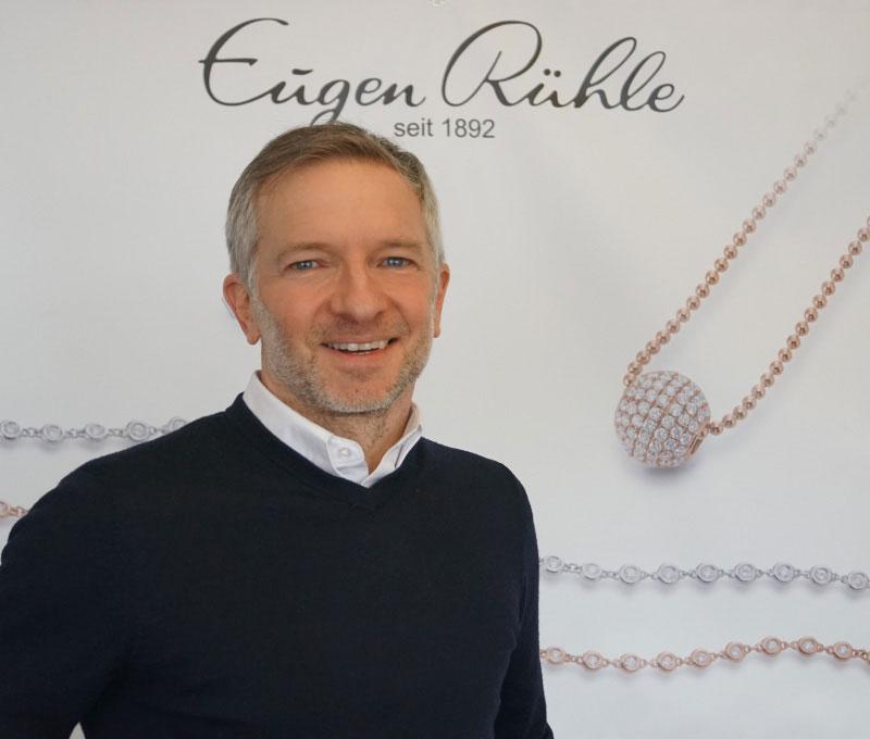 Chris-Richardon-Eugen-Ruehle-Back-Office-Kontakt