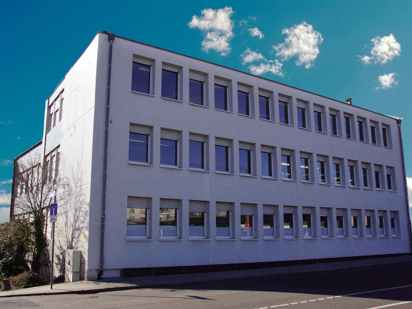 Eugen-Rühle-Schmuck-Ketten-Anhänger-Medaillons-Pforzheim-Firmensitz